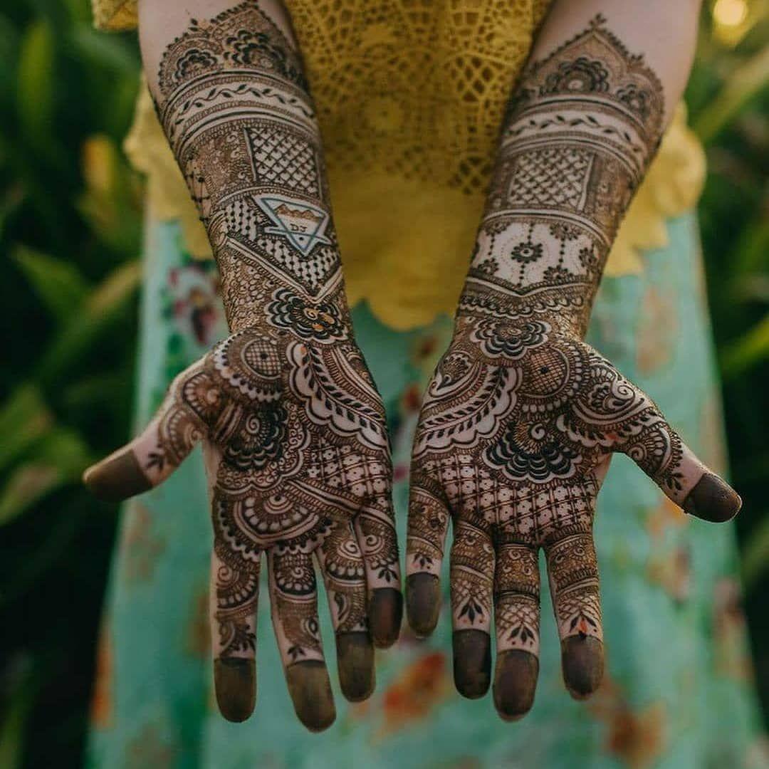 Bridal Mehendi Design 😍 Best Mehendi Design for Bride  Wedsfy : Wedding Planner Contact us for Booking  Visit - www.wedsfy.com WhatsApp - 9117101716  #wedsfyindia #weddings #wedsfy #mehandiart #mehendinight #mehendidesign #mehandi #mehendiartist #bridalmehendi #bride #weddingseason #mehendiartists #mehandi😍