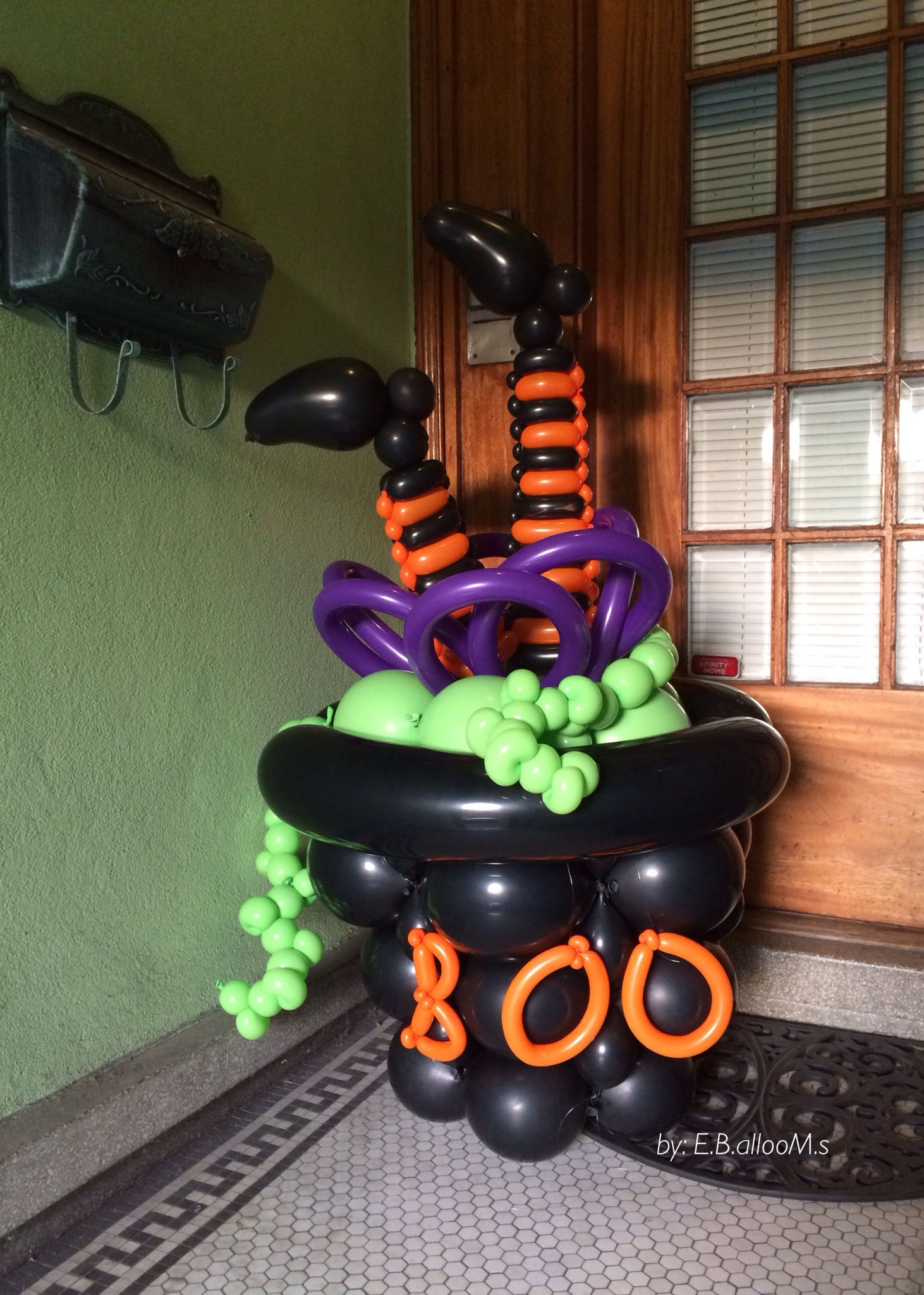 Pin by joan hagedorn on balloons for halloween pinterest for Balloon decoration for halloween