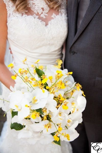 Yellow And White Bouquet Phalaenopsis Orchid Bouquet Oncidium