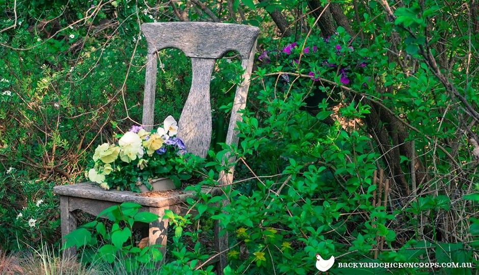 Rustic Garden Decor Inspiration for homes with free range animals