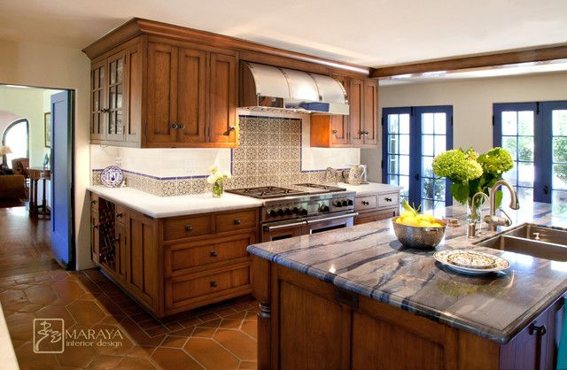 blue-spanish-colonial-kitchen-mediterranean-109335.jpg (640×418 ...