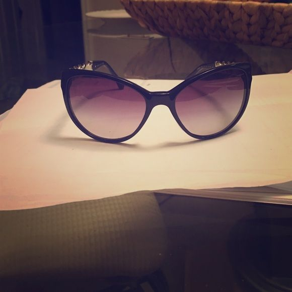 Chanel cat eye chain link sunglasses Like new. $460 new will sell for $375 CHANEL Accessories Sunglasses