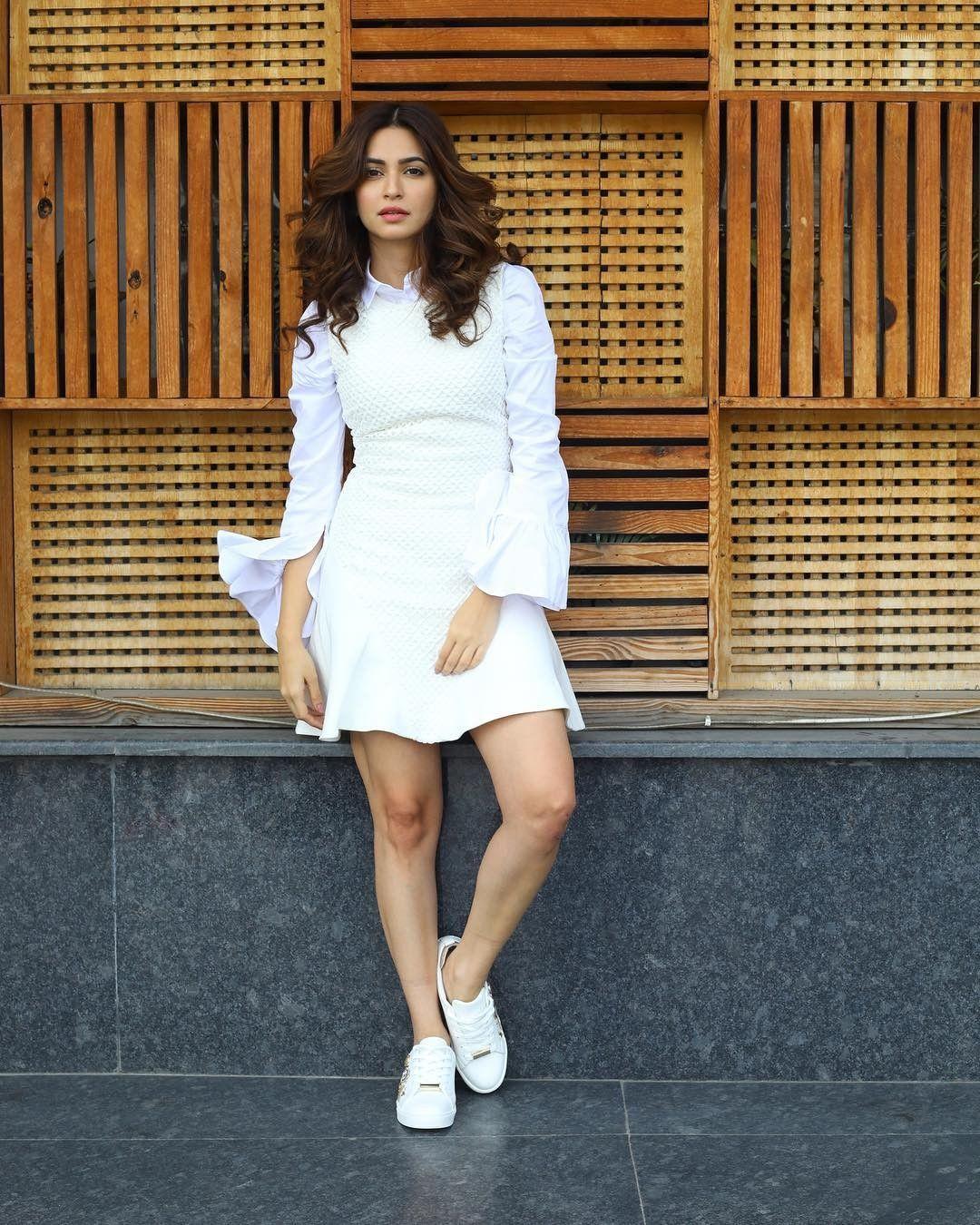 Pin By Ankita Upadhyay On Kriti Kharbanda Bollywood Actress Hot Photos Clothes For Women Bollywood Actress Hot
