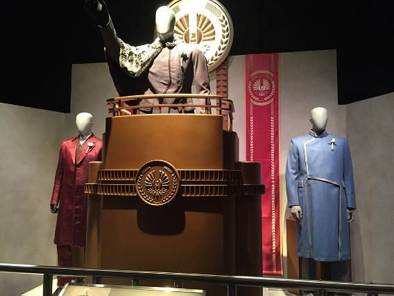 Hunger Games Exhibit | Hunger games costume, Hunger games ...