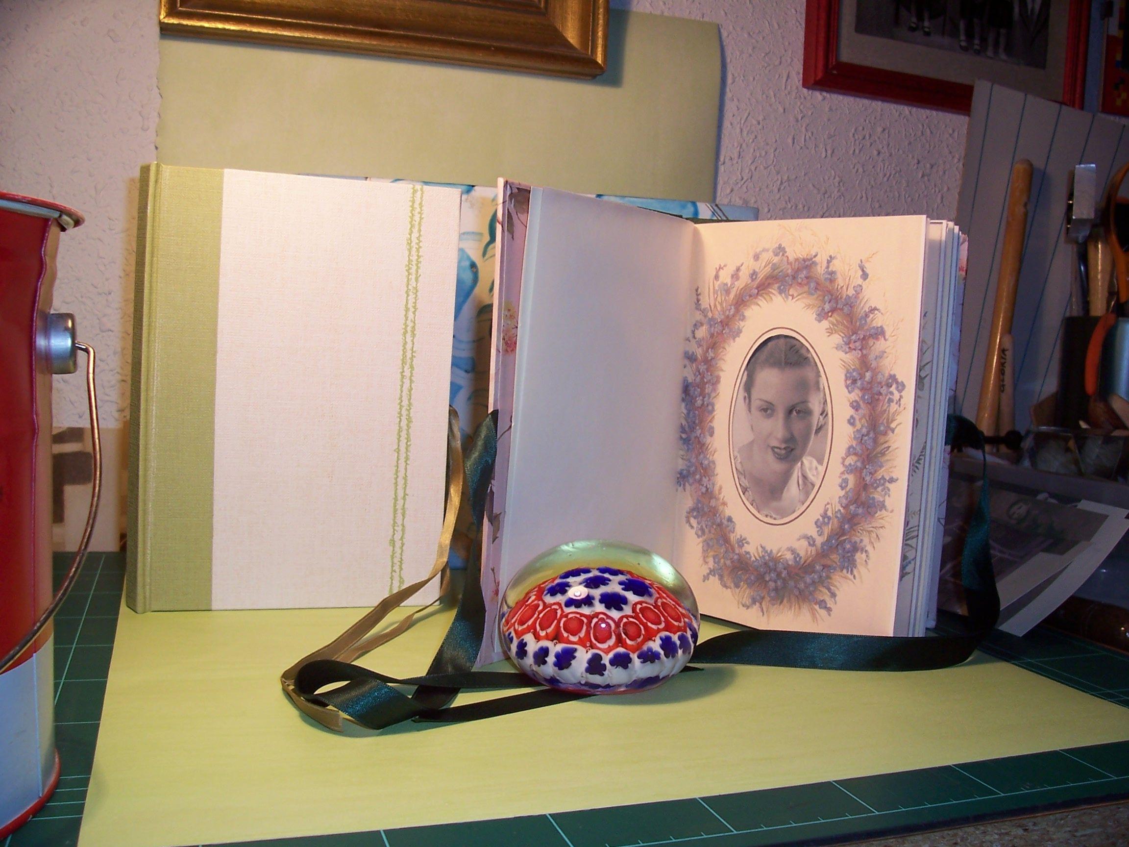 Album pequeño. Estilo Victoriano