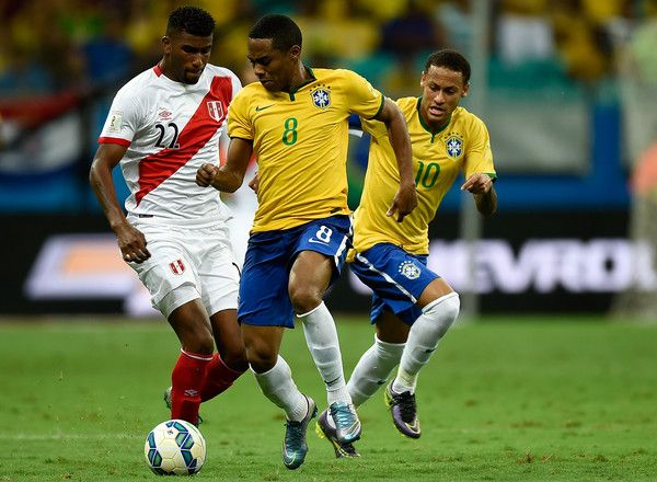 Neymar Photos - Brazil v Peru - 2018 FIFA World Cup Russia Qualifiers - Zimbio