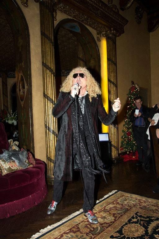 NYE AT THE CEDARS: BRIT ROCKER Steve Cooke BRINGS DOWN THE HOUSE BY SINGING US INTO 2015!