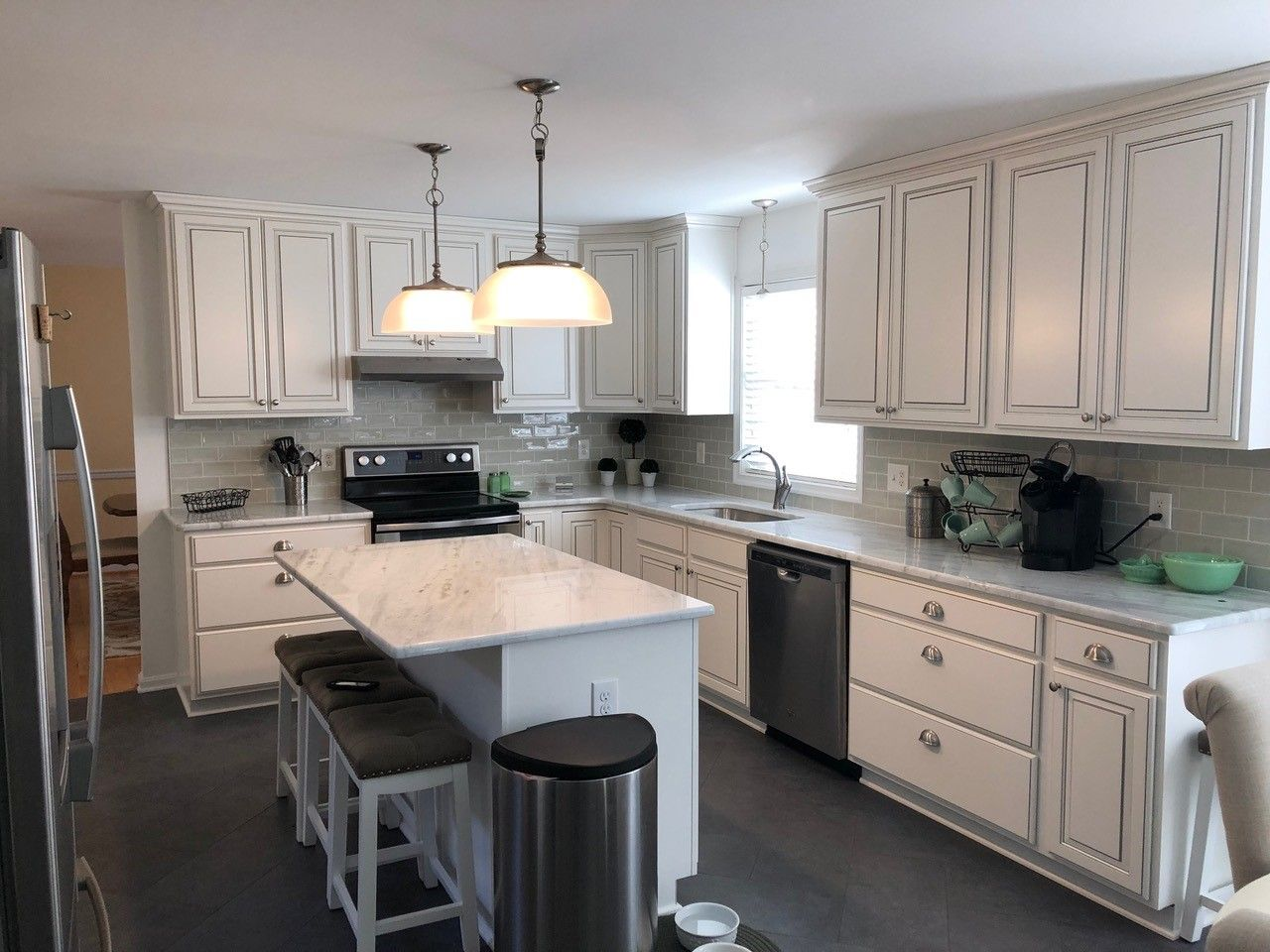 Traditional Kitchen Remodel Done In Snow With Pewter Glaze In 2020 Traditional Kitchen Remodel Kitchen Remodel Gorgeous White Kitchen