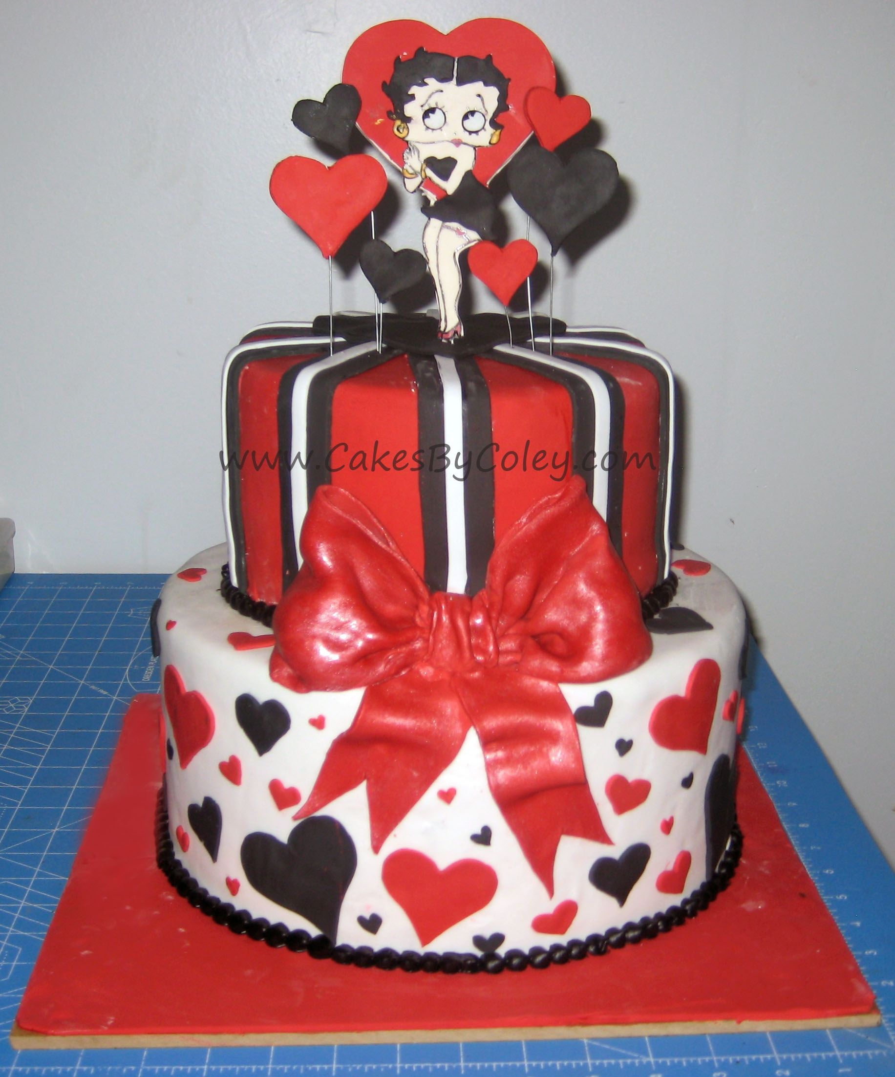 Cool Betty Boop Cake With Images Betty Boop Betty Boop Birthday Birthday Cards Printable Opercafe Filternl