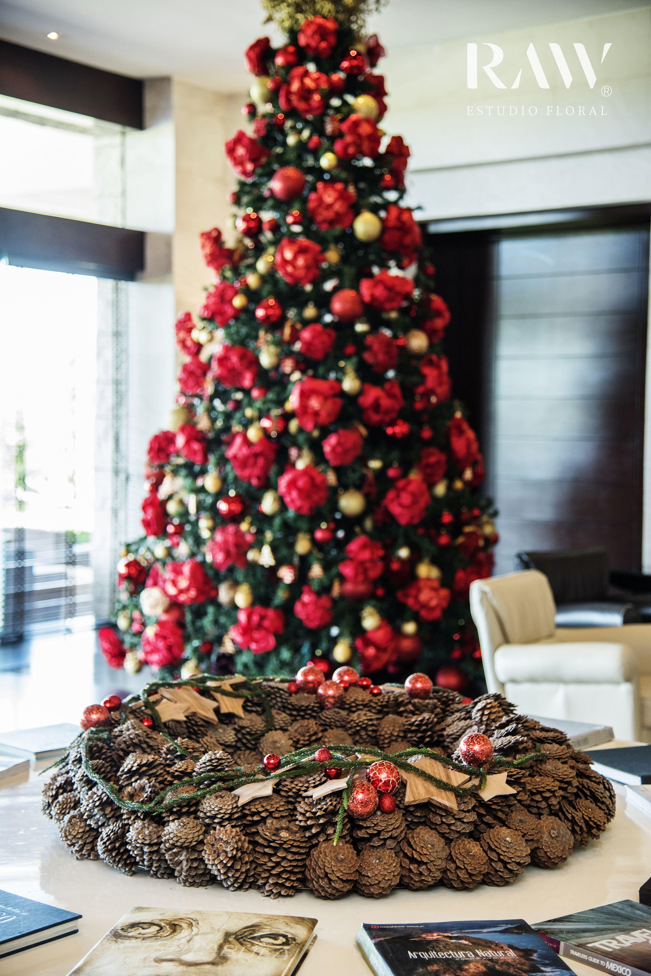 Christmas Floral Design Ideas #Christmasflowers