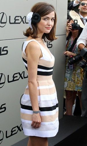 Rose Byrne - hairstyle - short hair - short hairstyle - Chanel - hair how-to