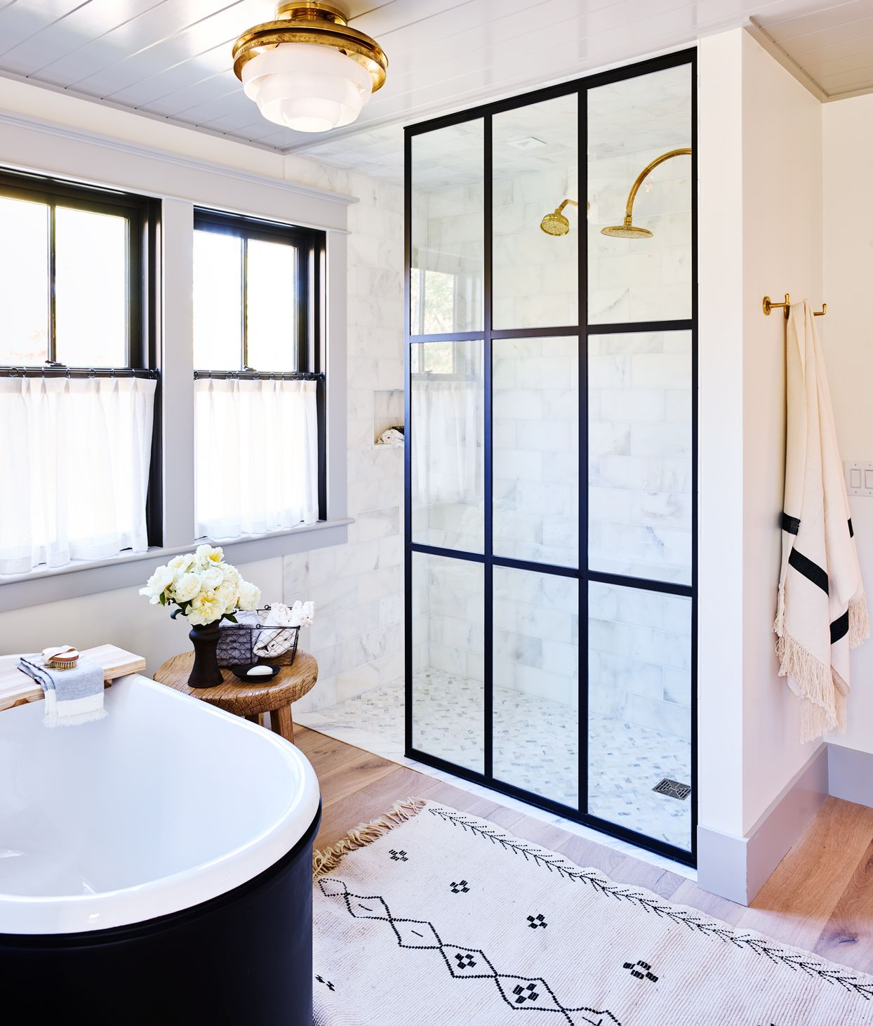 How To Remove Hard Water Stains From A Glass Shower In 2020 Home Bathroom Decor Bathrooms Remodel