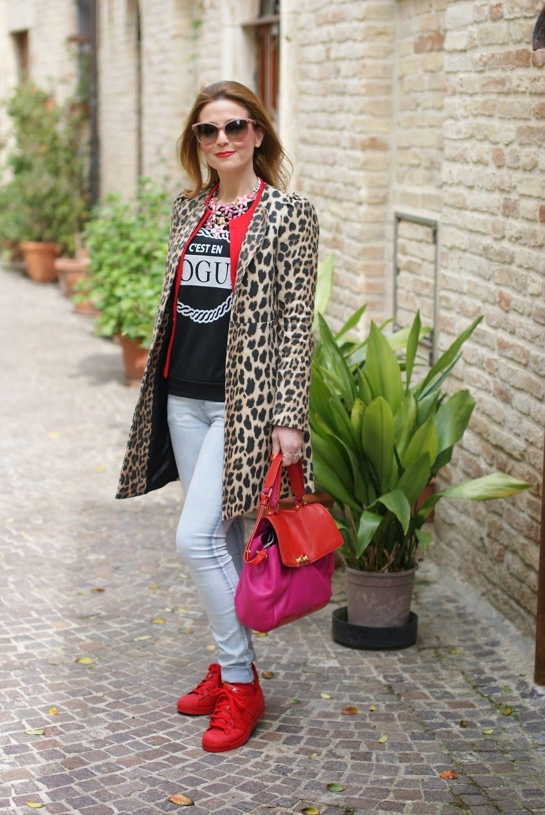 new product 53e79 6a9f7 leopard Zara coat and red adidas sneakers