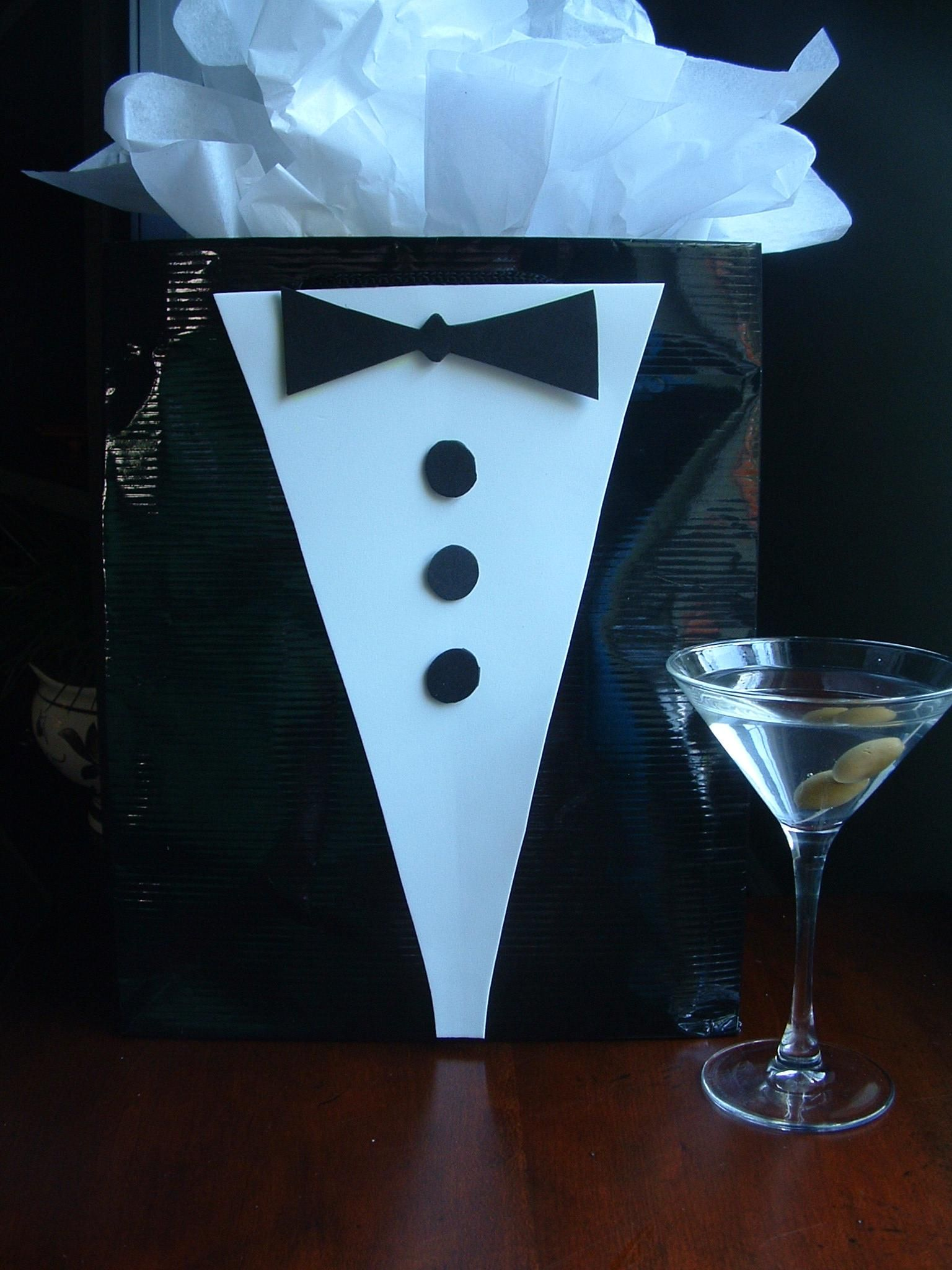How to make james bond decorations graduation gift bag for Decor 007