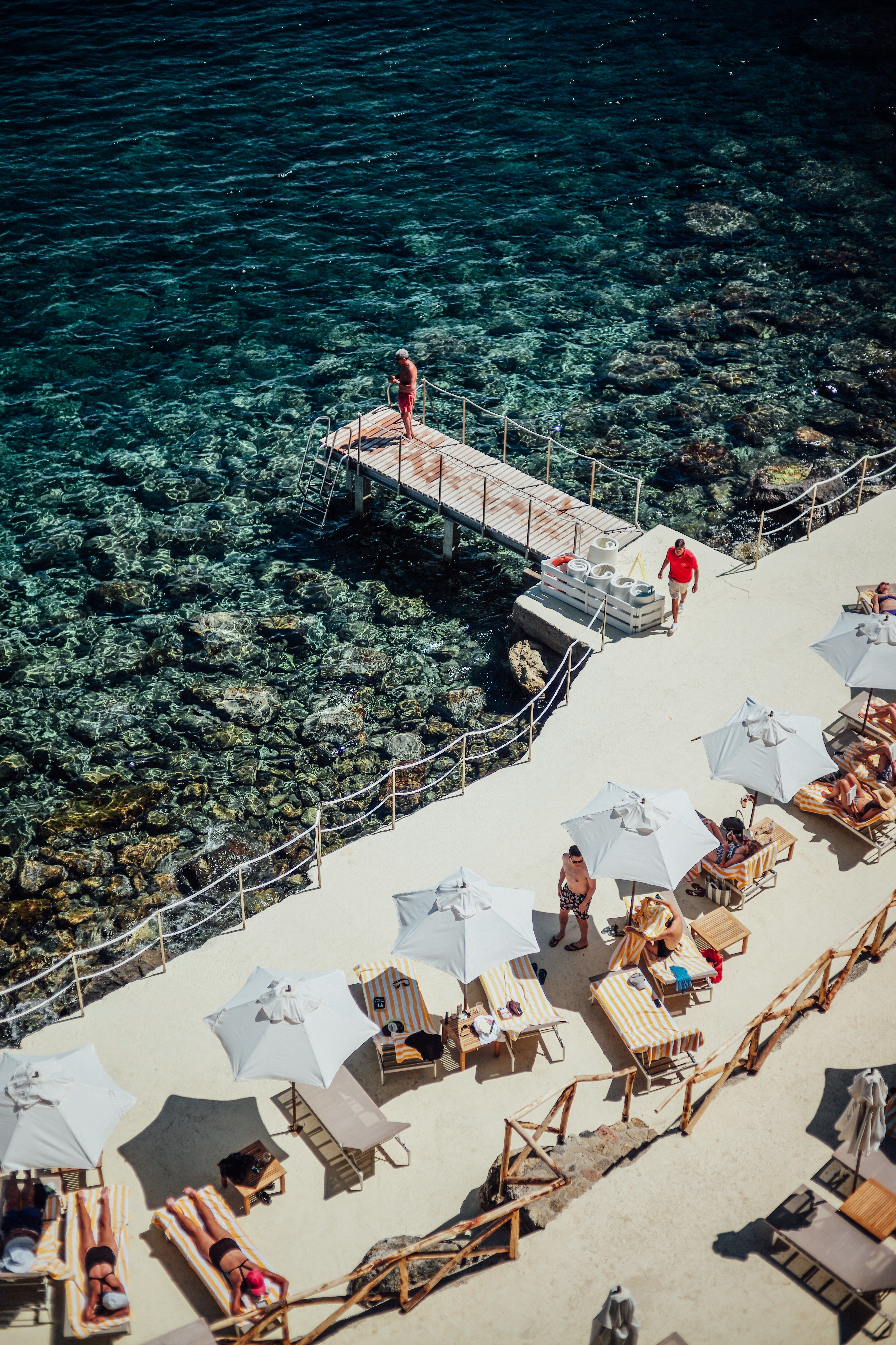 Stunning Images Inspired By Slim Aarons
