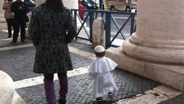 Un «mini» Papa per l'udienza a San Pietro