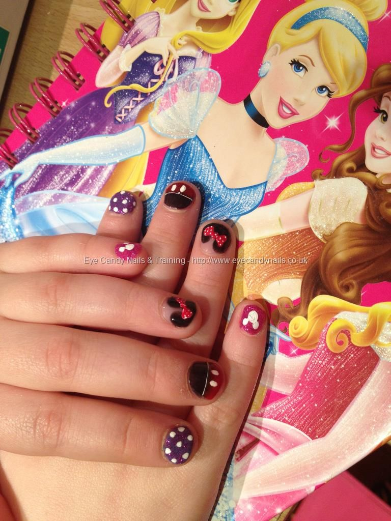 Sophie`s Disney nails! Minnie and Mickey Mouse nail art done with ...