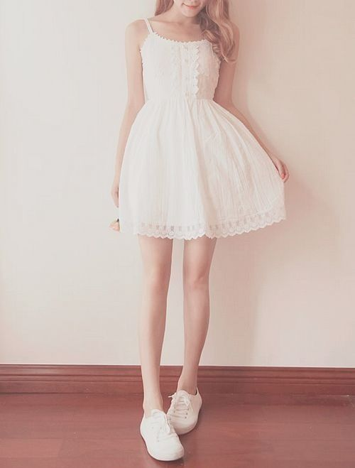 i love this white summer dress!