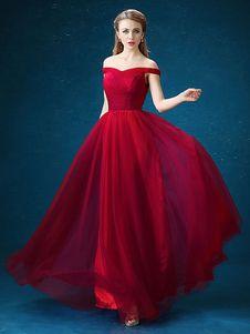 cffb9bdabe Vestido de Baile de tul de color borgoña con escote de hombros caídos De  banda de encaje de línea A sin mangas con pliegues