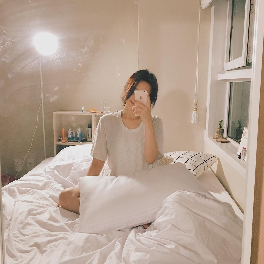 For Some Reason Her Bed Looks Extremely Comfy Gadis Ulzzang