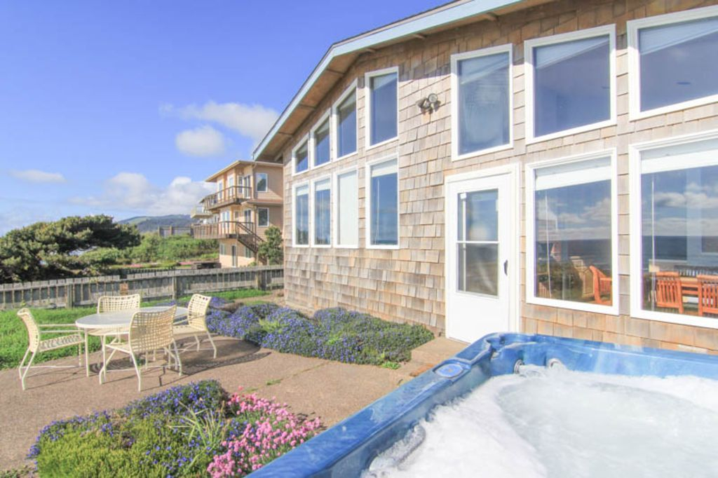 House vacation rental in Roads End, Lincoln City, OR, USA