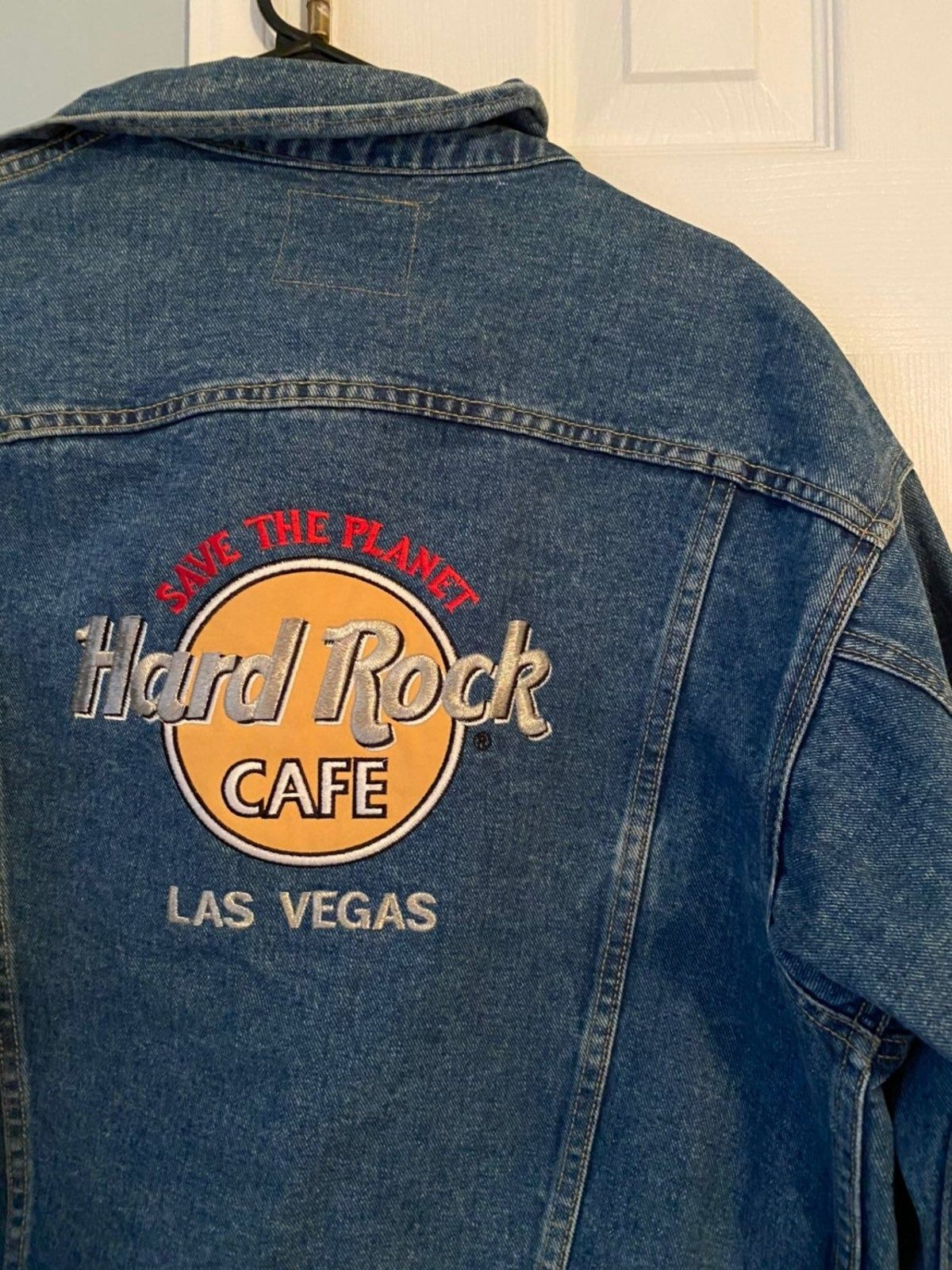 Pin By Annabelleglisson On Hard Rock Cafe Hard Rock Cafe Cafe Jacket Hard Rock [ 1600 x 1200 Pixel ]