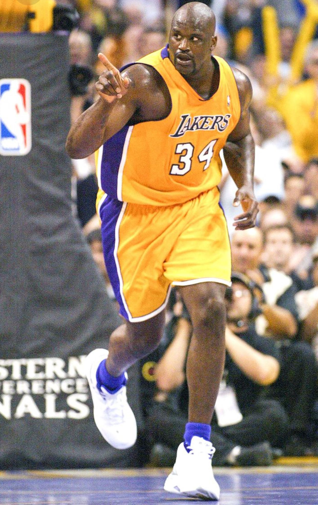 Shaquille O'Neal ♓️ Shaquille o'neal, Los angeles lakers