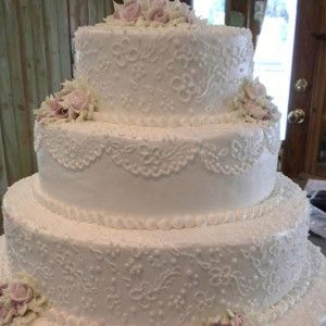 Wedding cake created at Junes Bakeshop New Braintree MA
