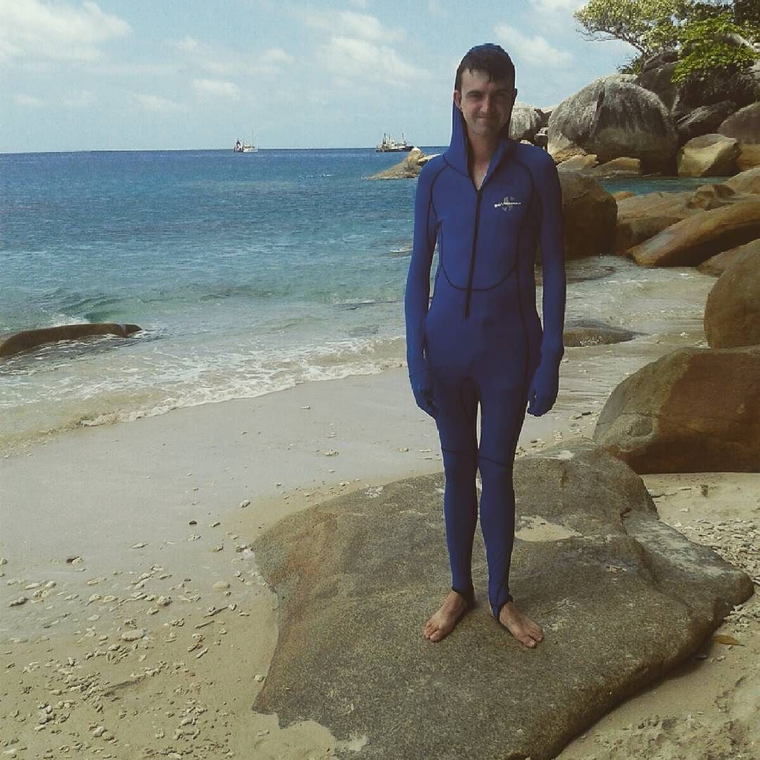 When the outfit is on point. (sorry for yet another post) #greatbarrierreef #diveprep #queensland #australianadventure #travelling by cw.martins12 http://ift.tt/1UokkV2