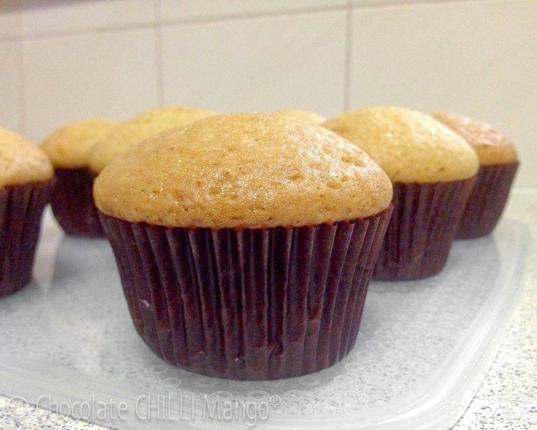 vanilla cupcakes with plain flour