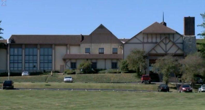 Police Identify Woman Child Found Dead In Eureka Hotel Hotel Eureka House Styles