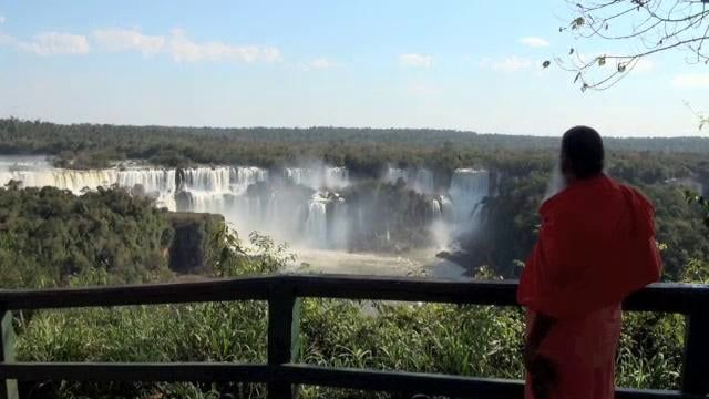 Iguazzu Water Falls Is World S Widest Falls With Almost Three Kilometre Of Water Curtain Falling Down From The Corner Where Bra Waterfall Water Full Moon Night