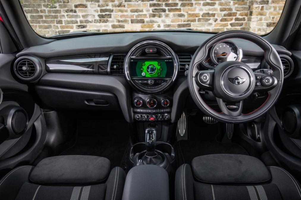 Mini Cooper Interior >> Pin By Lookers On Mini Cars Mini Cooper Interior Mini Mini Cooper S