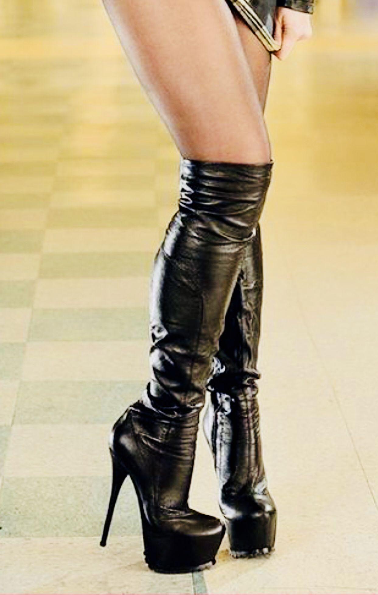 Pin by lasse on High Boots 2 | High heel shoe boots, Pretty