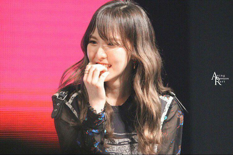 Haemi🎉🎉 Wendy Son--> Red velvet Don't eat your nail!!😀😁😂