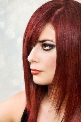 dark cool-toned red hairstyles