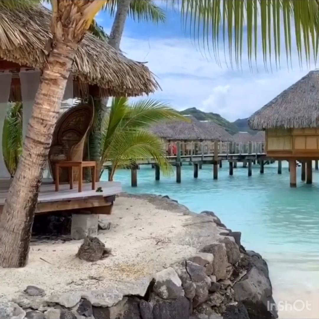 Take me to Bora Bora because the place is so cool, they named it twice! 🏝