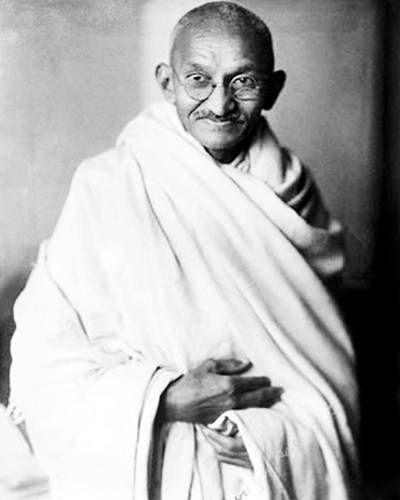 Gandhi, Mohandas Karamchad Porbandar 2-10-1869 – Nueva Delhi 30-1-1948