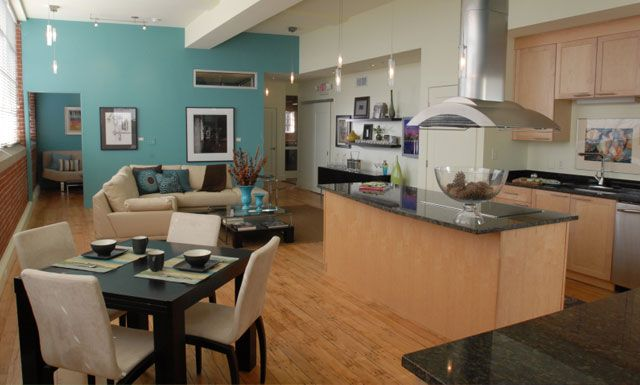 The Gallery Luxury Rentals Of One And Two Bedroom Lofts In Downtown Winston Salem Love This Loft Apartment Communities Downtown Living Urban Loft