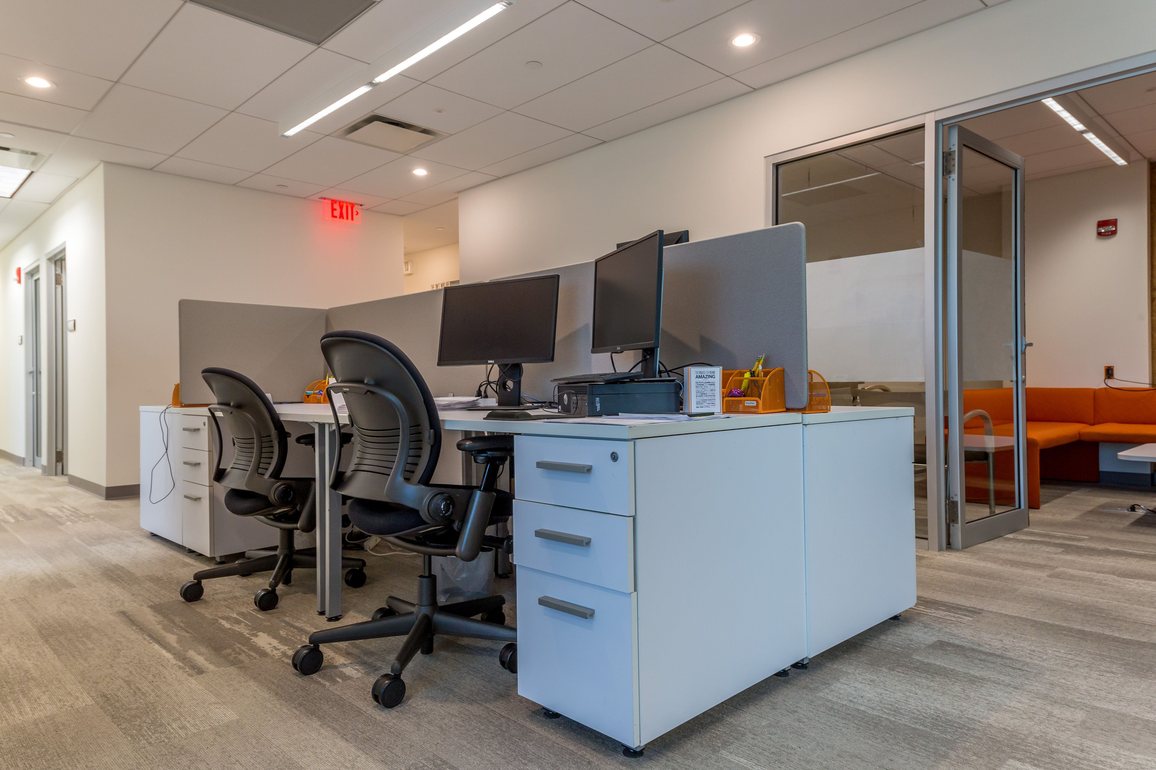Worksocial Offers Well Designed Shared Office Spaces For Rent In New Jersey With Free Wifi Meeting Rooms Ca Shared Office Space Shared Office Wellness Design