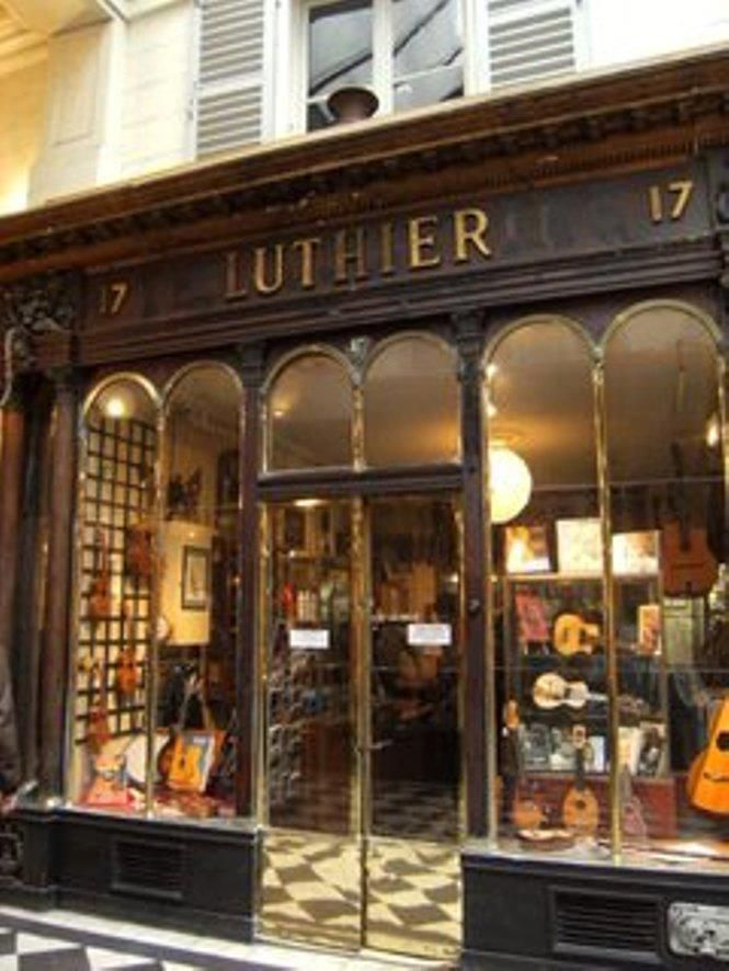 luthier   Home/Workspace Ideas in 2019   Violin shop, Piano