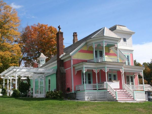 House of the day: a shabby-chic Victorian in small town Vermont
