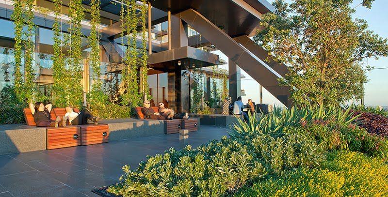 One central park es un innovador edificio ecol gico en for Edificios con jardines verticales
