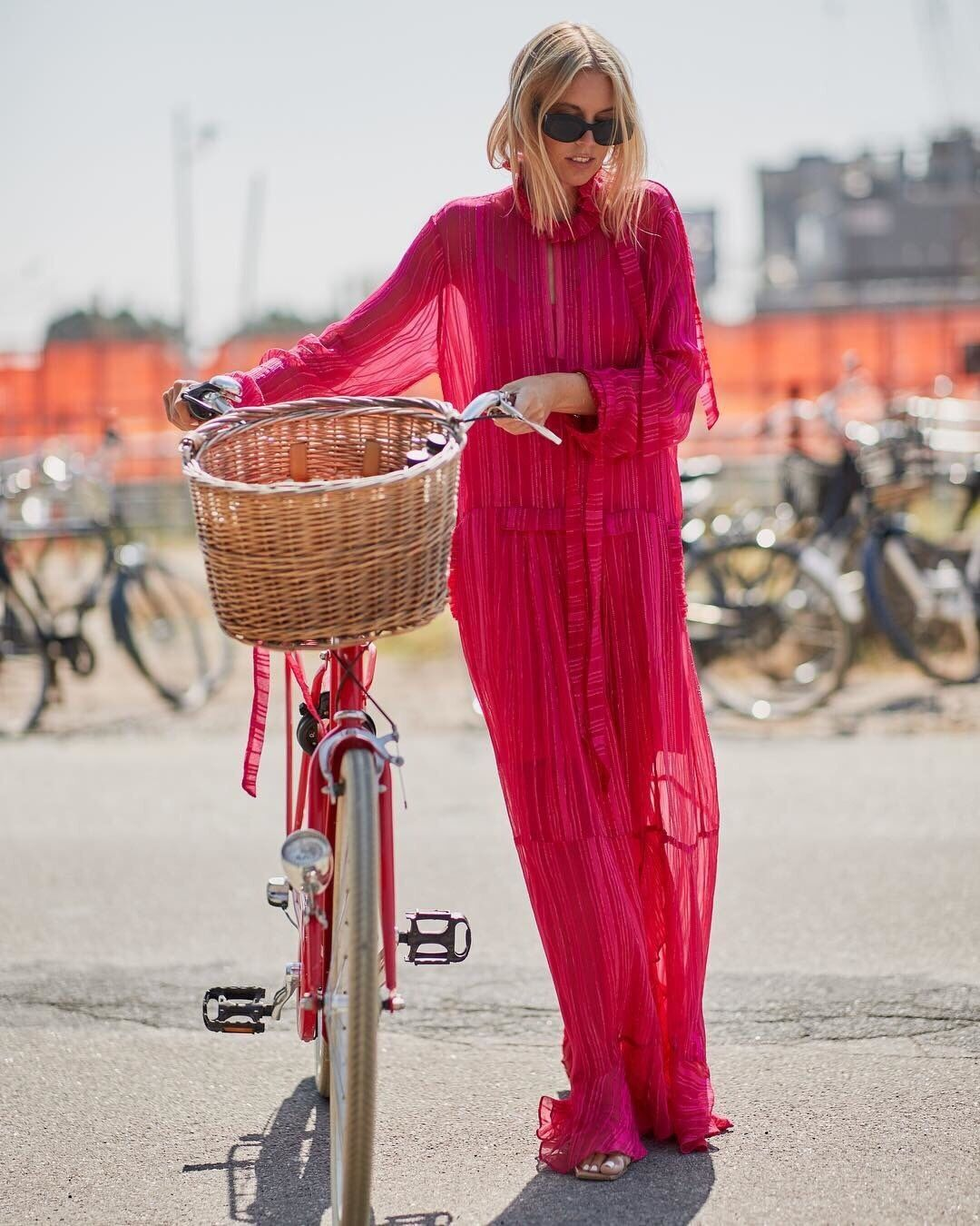 "7e5d298d5c96 MUNTHE på Instagram  ""Think pink. 💖  hannastefansson in the Nome dress  during Copenhagen Fashion Week.  munthe  munthemuse  muntheps19"""