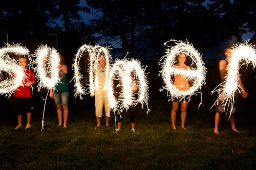 Jenna and Gracie! We should do this! I know how :) you need sparklers, and there's a certain setting on the camera that does it. :D
