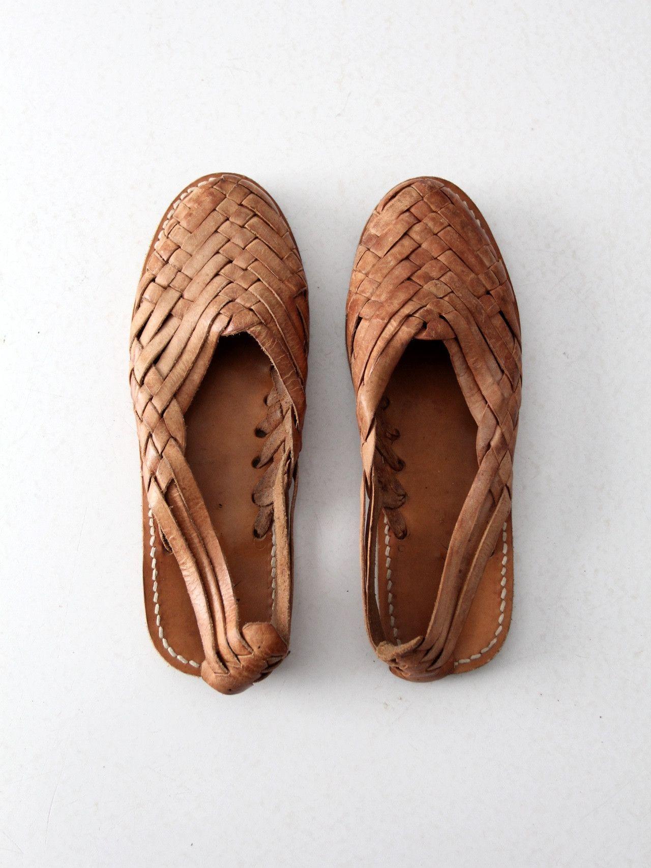 60f361f83daf Vintage huaraches sandals