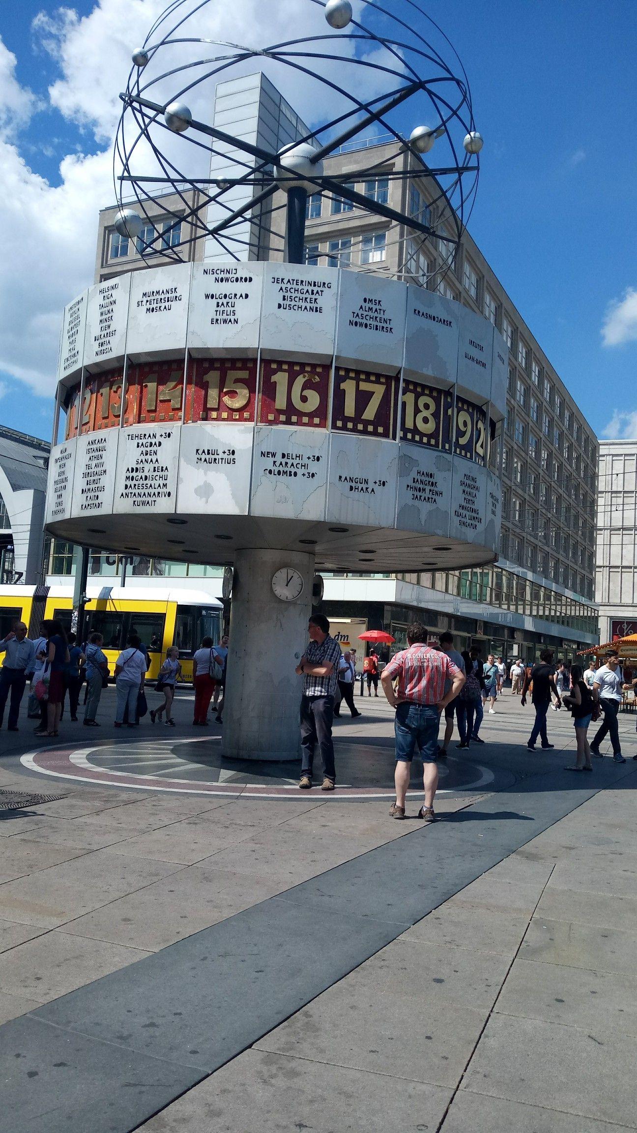 Weltuhr Worldclock Berlin Alexanderplatz Broadway Shows Breathtaking Berlin