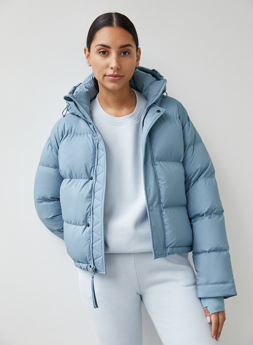 The Super Puff Shorty Puffer Jacket Women Puffer Jacket Outfit Puffer Jacket Style [ 1147 x 840 Pixel ]