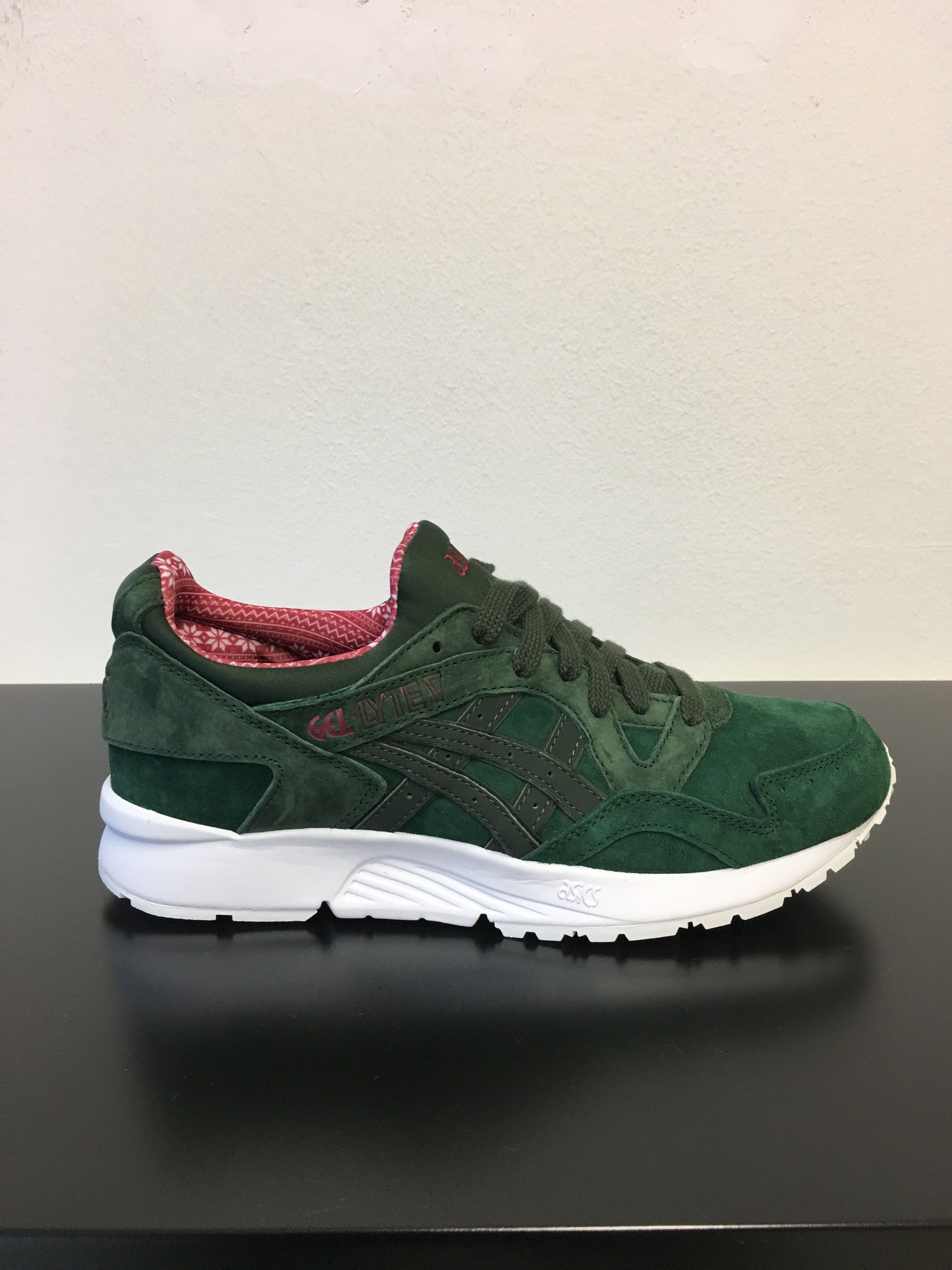 ASICS gel Lyte V Christmas Pack green 95gallery