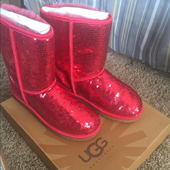 AUTHENTIC RED SPARKLE UGGS SIZE 7